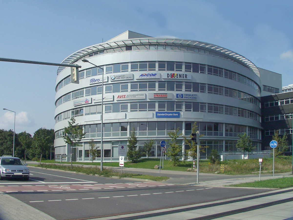 Leuchtreklame Fassadenwerbung Konstrukta Werbetechnik