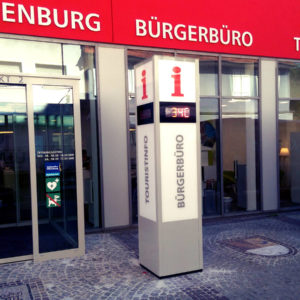 Werbepylone-Temperaturanzeige-Buergerbuero-Offenburg-Konstrukta-Werbetechnik