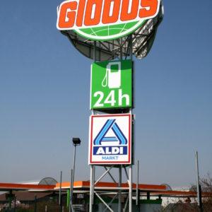 Werbeturm-3seitig-Globus-Tankstelle-Aldi-Theissen-Konstrukta-Werbetechnik