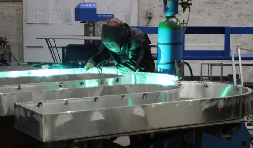 Konstrukta-Metallbau-Konstruktion-Metallverarbeitung-Werbeanlage-840x490
